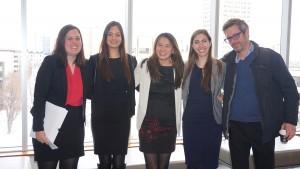 L'équipe du Concours 2016 . De gauche à droite: Christina Redmon, Melissa Felian, Julia Ballerio-Dupe, Catherine O'Gorman et Francis Garon (entraîneur et professeur adjoint )